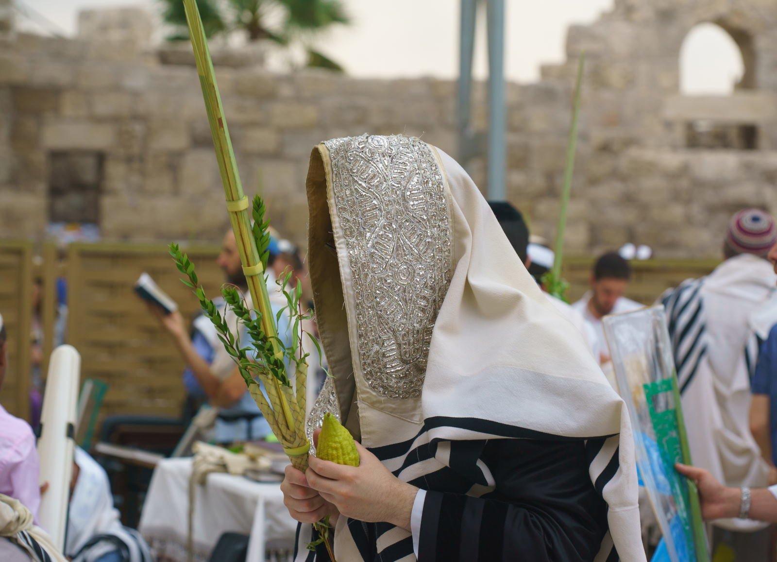 Apa itu Sukkot? Panduan Hari Raya Yahudi Sukkot