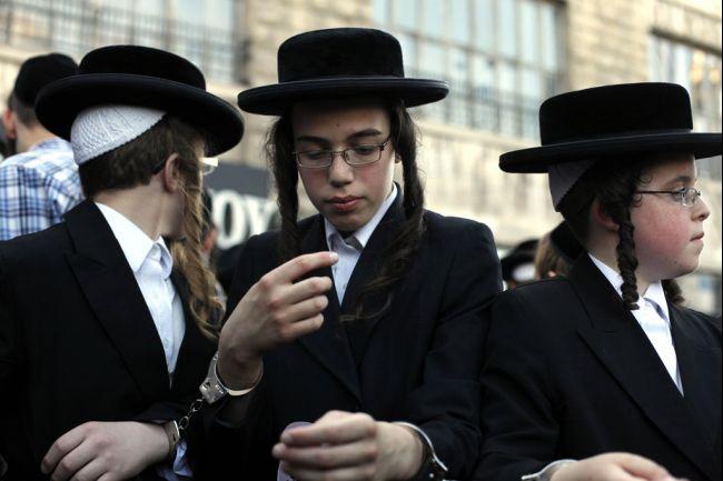 Bagaimana Orang Yahudi Menciptakan Tuhan, dan Menjadikannya Hebat
